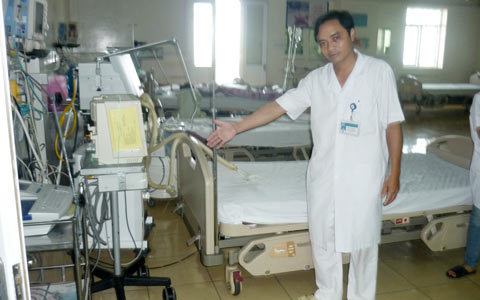 Miền trung - Vì sao người nhà bệnh nhân đánh bác sĩ, phá bệnh viện?