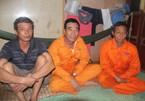 Chìm sà lan trên sông, cứu sống 4 thủy thủ