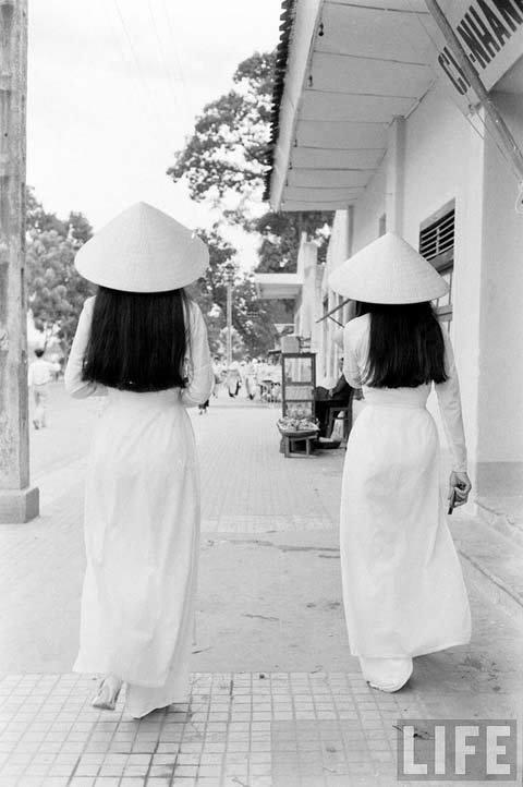 thiếu nữ, áo dài, thắt đáy lưng ong