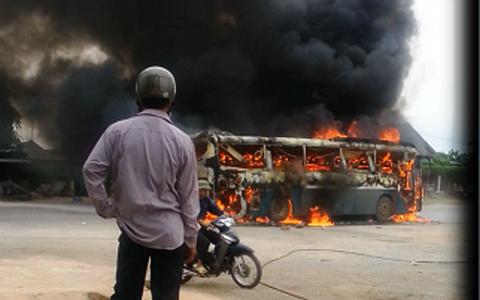 Cửa Lò; Điện Biên; xe khách; bốc cháy