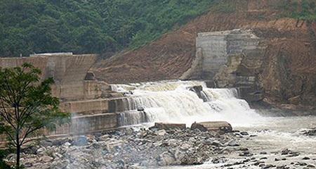 Vỡ đập thủy điện nhỏ: Trước hết phải hỏi địa phương