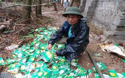 Vụ chôn hoá chất độc hại: 1.000 dân ký đơn kêu cứu