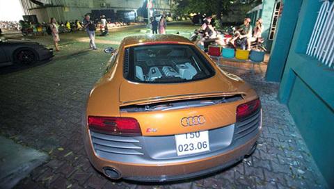 siêu xe, bóc mẽ, Thủy Tiên, Audi R8
