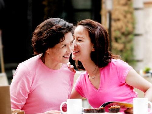 """Các bí quyết sống chung với mẹ chồng """" êm ấm"""""""