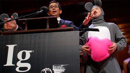 Ig Nobel 2013 vinh danh nghiên cứu phục hồi 'cậu nhỏ'