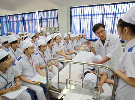 Ministry of Education and Training blamed for poor medical staff