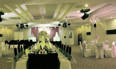 Lam Trường kinh doanh tiệc cưới, nhà hàng giàu hơn đi hát