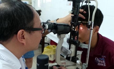 đau mắt đỏ; Hà Nội; Tobrex, Tobrin; Viện mắt Hà Nội