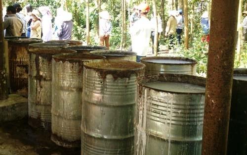 Vụ chôn hóa chất độc hại: Bỏ sót 10 sai phạm?
