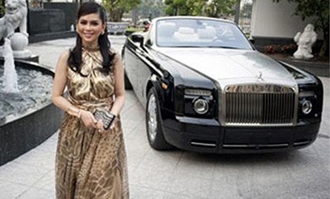 Âm thầm và kiêu hãnh: Đẳng cấp chơi siêu xe nhà chồng Hà Tăng