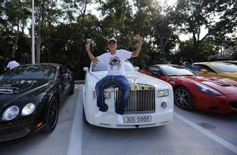 Chơi siêu xe, Dương Kon phong cách hơn Cường đô la