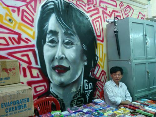 Myanmar, dân chủ, phương Tây, Mỹ, EU, đấu tranh