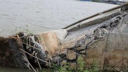 Vụ sạt lở đoạn bờ kè 700 tỷ: Đề nghị xử lý trách nhiệm