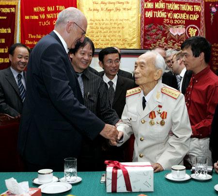 Tướng Giáp qua ống kính phóng viên VietNamNet