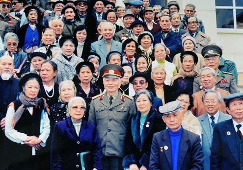 Võ Nguyên Giáp: Nhà chính trị đi trước nhà quân sự