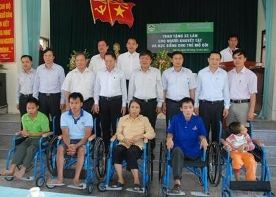 http://imgs.vietnamnet.vn/Images/vnn/2013/10/08/15/20131008155626-dsc-1529--1-.JPG