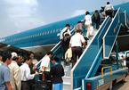 Máy bay Vietnam Airlines hạ cánh khẩn cấp cứu khách