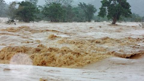 biên phòng; giúp dân; lũ lụt; Vũ Quang; Hà Tĩnh