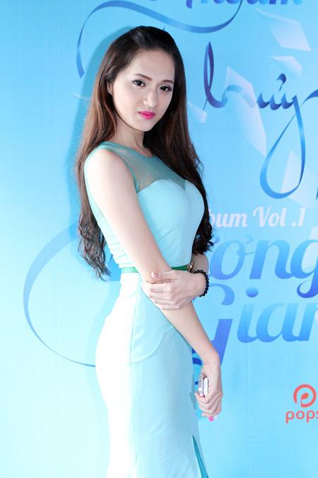 Hương Giang Idol, chuyển giới