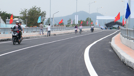 Khánh thành cầu vượt đường sắt do VN thiết kế