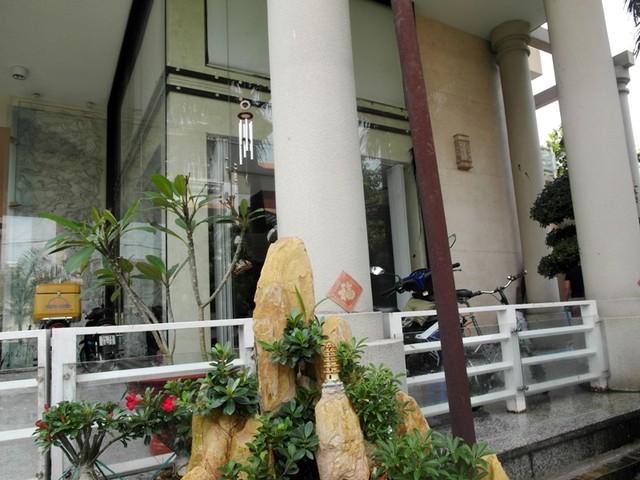 Cận cảnh biệt thự triệu đô của Phước Sang