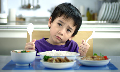 Trẻ biếng ăn uống B1 là ăn 'thun thút'?