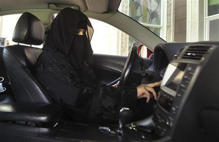 Phụ nữ Ả rập phát rồ vì bị cấm lái xe