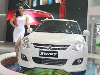 Ôtô nhỏ: Nóng bỏng cạnh tranh, rát mặt giá cả