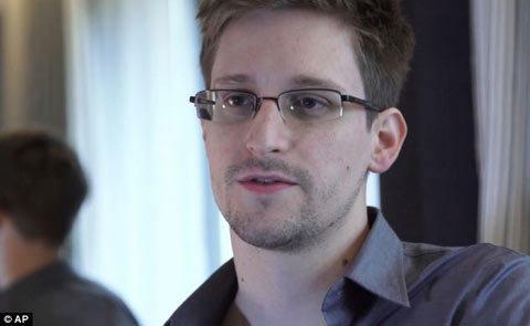 Snowden: Ngày nào NSA cũng 'đọc' dữ liệu của Google, Yahoo