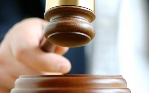 Tránh nguy cơ 'khóa' các quyền hiến định