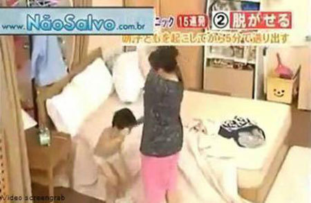 Xem cách mẹ Nhật chuẩn bị đi học cho con trong 4 phút