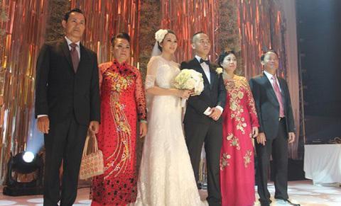 Có dâu đẹp, nhà chồng Ngọc Thạch liên tiếp gặp hên