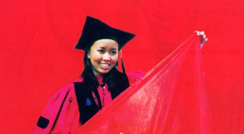 Ái nữ số 1 Việt Nam: Bố chủ NH, mẹ buôn vàng bậc nhất