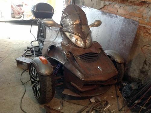 Thợ sửa xe máy chế siêu mô tô 3 bánh giá rẻ