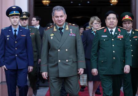 tàu ngầm, gìn giữ hòa bình, Shangri la, quốc phòng, Phùng Quang Thanh, đối tác chiến lược