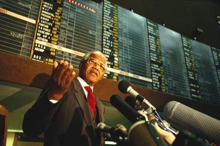 Nam Phi hồi sinh nhờ Nelson Mandela