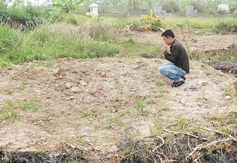 Thi thể chị Huyền bị chôn... trộm ở nghĩa trang Đặng Xá?