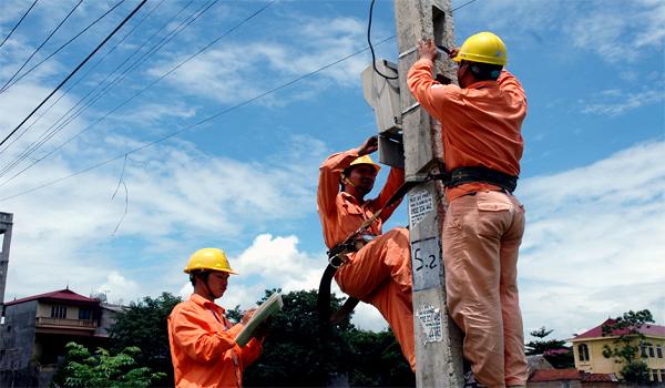 Kinh tế ở đáy vẫn ngay ngáy lo thiếu điện