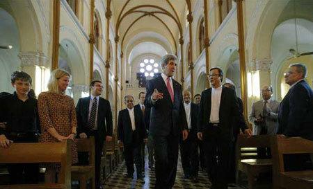 Ngoại trưởng Mỹ dự lễ ở Nhà thờ Đức Bà