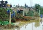 Hà Nội: Lại vỡ đường ống nước, ảnh hưởng 70 nghìn hộ
