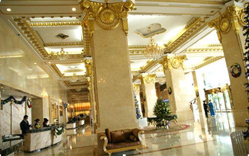 Đại gia Việt đua đòi xây nhà, sắm xe dát vàng