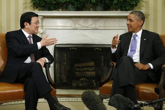 sự kện nổi bật, thông qua Hiến pháp, lấy phiếu tín nhiệm, Đối thoại Shangrila, thăm cấp cao Hoa Kỳ, đám tang Đại tướng, Võ Nguyên Giáp, chủ tịch nước Trương Tấn Sang, Thủ tướng Nguyễn Tấn Dũng
