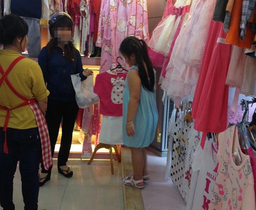 Đủ loại chất độc trong quần áo trẻ em Trung Quốc