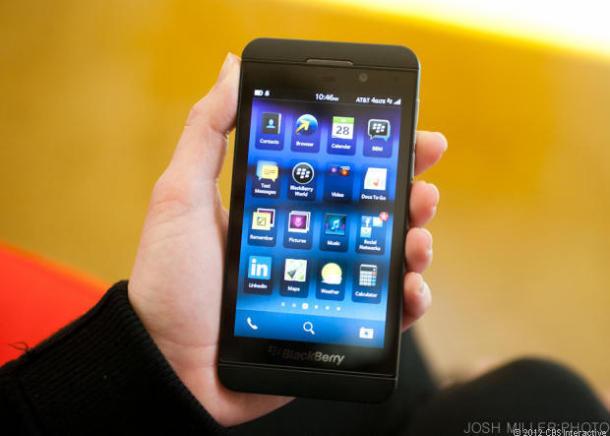 BlackBerry, bán mình, doanh số, thua lỗ, ra mắt, hủy bỏ, điện thoại, giá rẻ