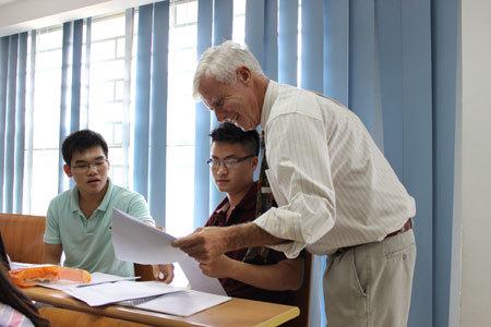 hs, lớp 12, cử nhân, quốc tế