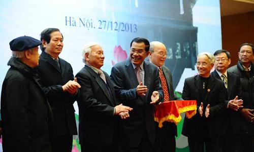 Hun Sen, Campuchia