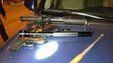 Cảnh sát 141 phát hiện hàng loạt vũ khí trên xe Lexus