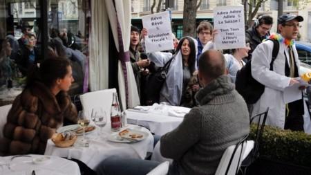 Dân giàu Pháp run sợ khi bị đánh thuế thu nhập 75%