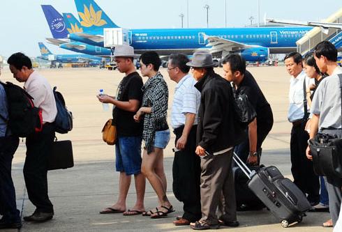 VietjetAir giật thị phần, Vietnam Airlines lo đối phó