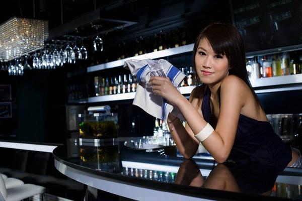 công-sở, quán-bar, môi-trường-làm-việc, thái-độ, nhiệt-tình, công-việc, lao-động, thu-nhập, kiếm-tiền